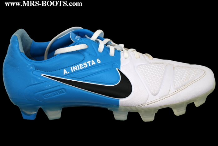 ANDRES INIESTA - NIKE MATCH WORN BOOTS